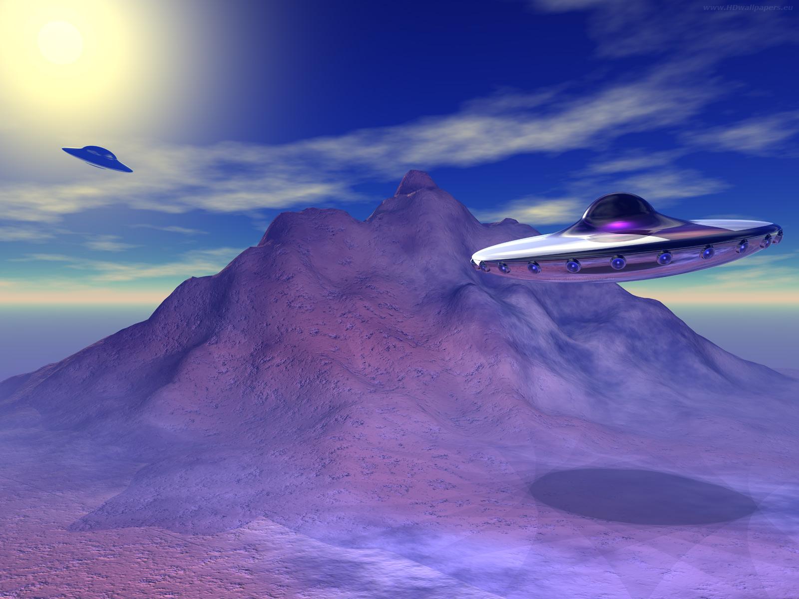 http://wallpapers.designdistributor.com/wallpaper/HD-wallpapers-UFO-clasic2-1600x1200.jpg